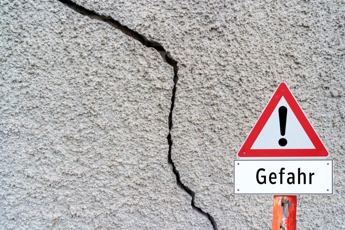 , Risse in der Wand – wann man unbedingt handeln sollte